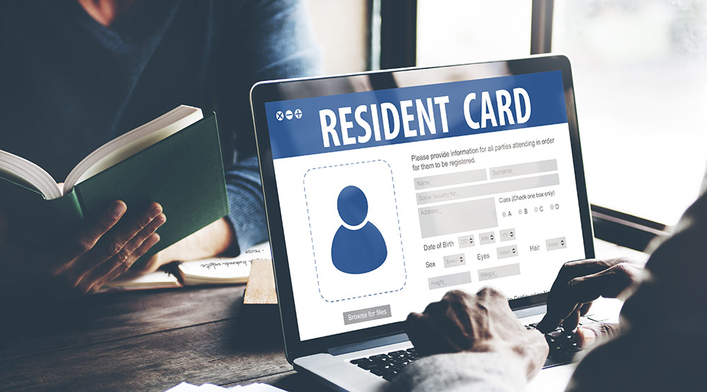 Why EEA Nationals Living In The UK Need To Get A Permanent Residence Card